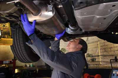 AutoAid diagnoses smog check failure in Van Nuys.
